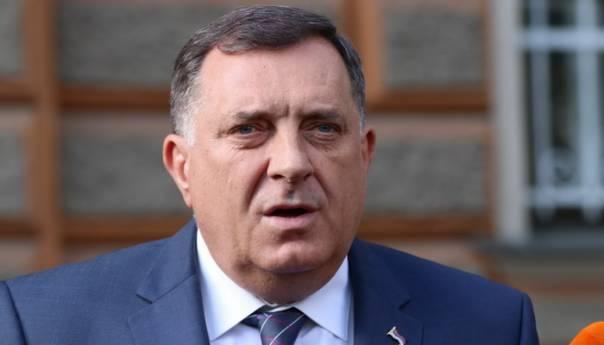 Dodik čestitao francuskom predsjedniku Nacionalni dan Francuske
